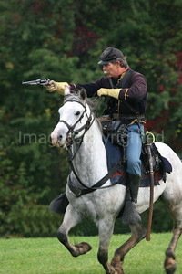 Cavalry Soldier Taking Aim - 10/27/06