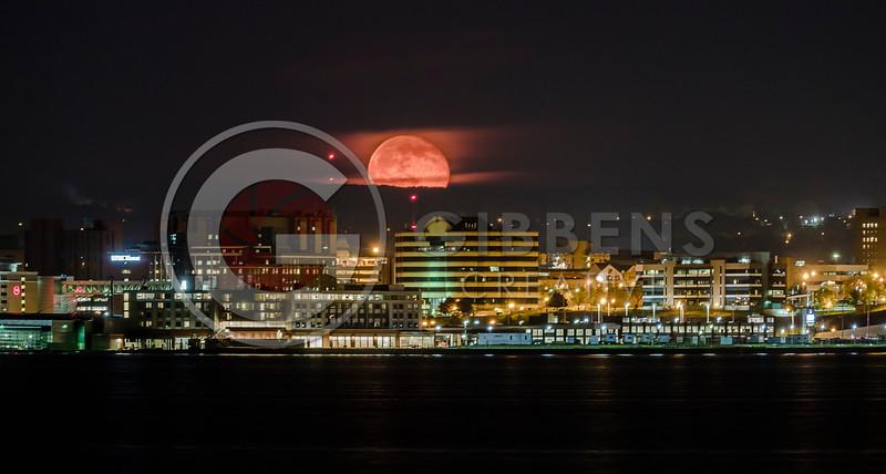 Bayfront 100 State Moonrise