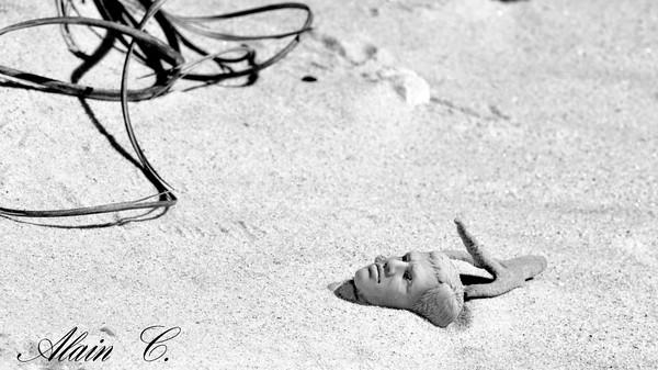 Abandonné sur la plage