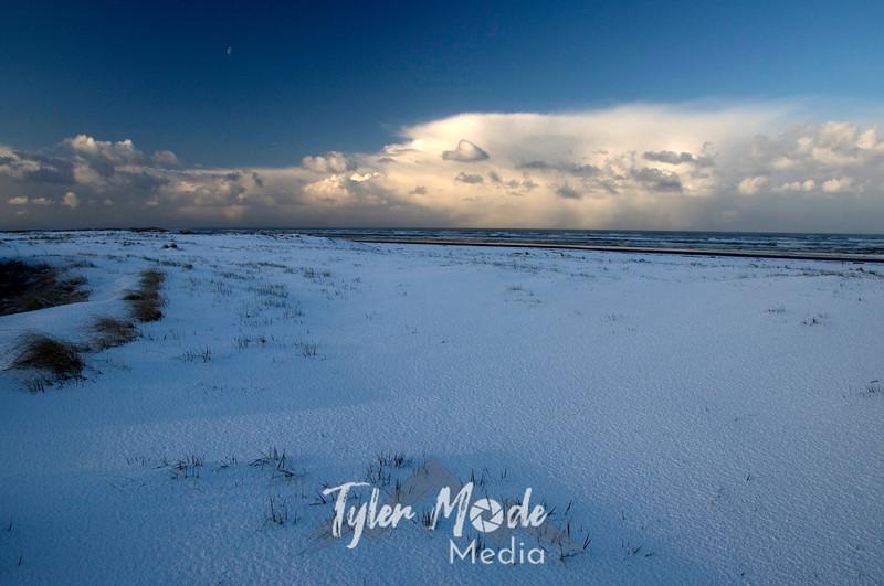 175  G Snowy Beach