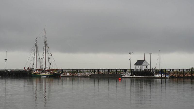 new Haven, Marina, ocean, boat, boating, harbor, New Haven Harbor, Long Wharf, I95, CT., Storm, Hurricane katrina, katrina, storm clouds,hurricane, The Quinnipiac, dock, ship, boats, boat house