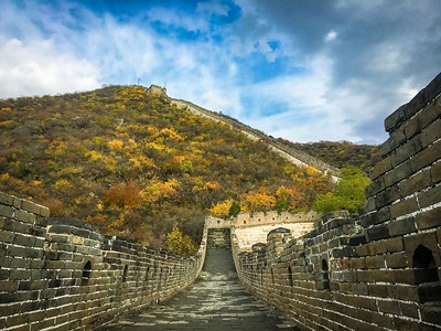 The China's Great Wall by Hong