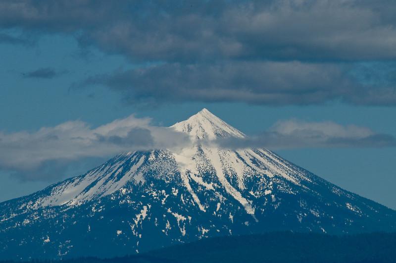 DSC_2920 Mt McLaughlin in June