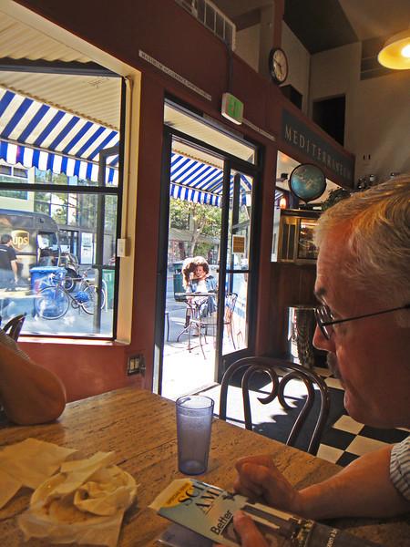 2 lovers outside Cafe Mediterraneum, Berkeley