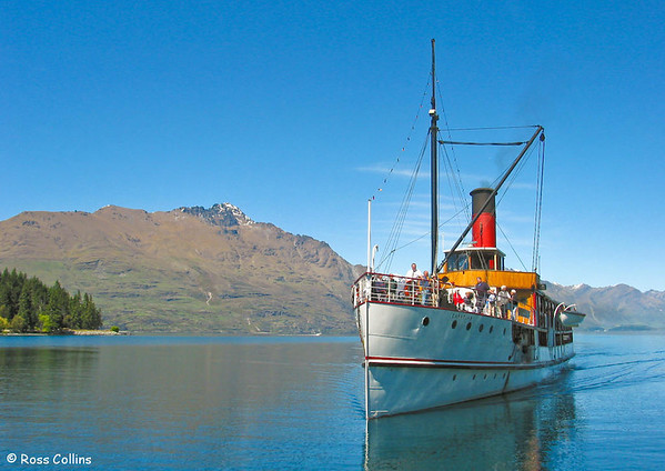 SS Earnslaw approaches the wharf at Queenstown, Lake Wakatipu