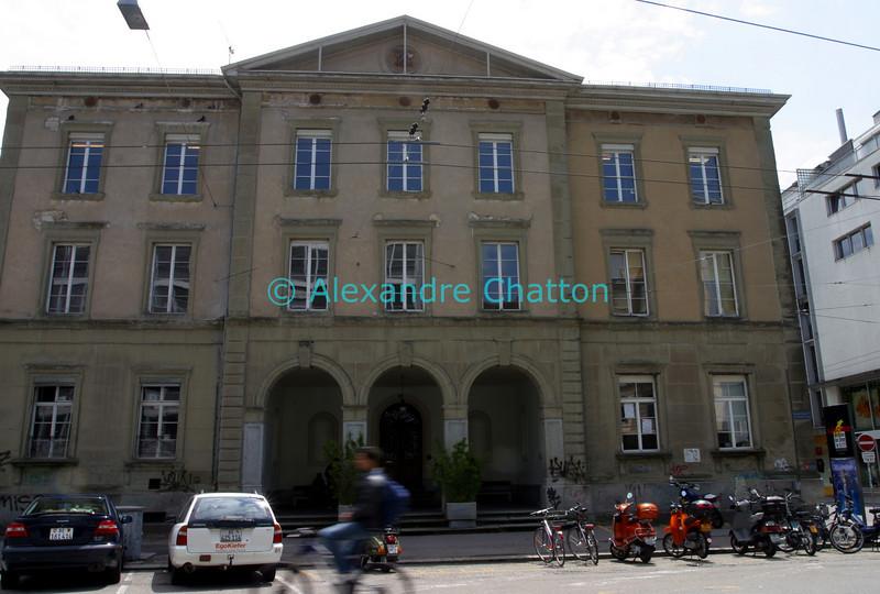 Le bâtiment de l'ancien Gymnase économique. J'y ai passé trois ans après l'école obligatoire.
