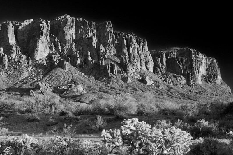 Arizona, Superstiton Wilderness, Lost Dutchman State Park, Black White Landscape Art 亚利桑那, 沙漠 黑白摄影, 风景
