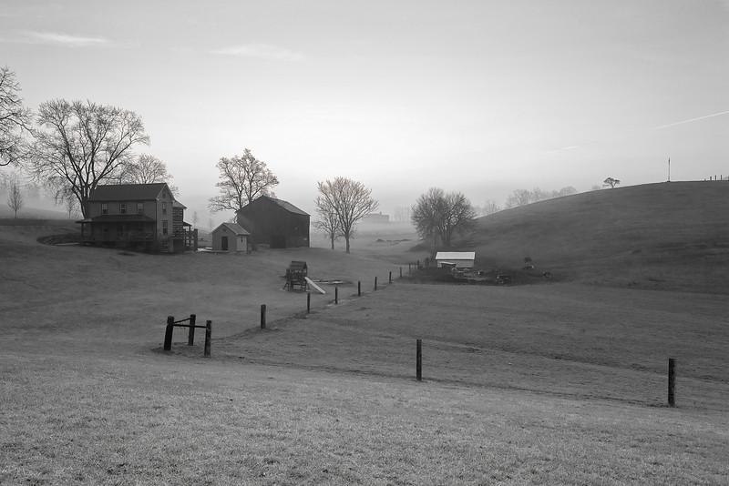 Pennsylvania, Morrison Cove, Spring Morning, Fog, Farmland, Landscape, 宾夕法尼亚 田园, 风景, 黑白摄影