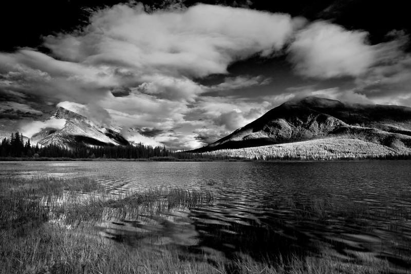 Canaian Rockies, Banff National Park, Vermilion Lake,  Booming Clouds, Landscape, Black & White, 加拿大, 班夫国家公园 黑白摄影, 风景