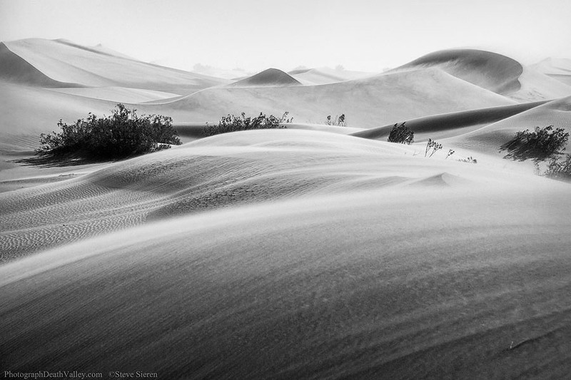 Death_Valley_Sand_Storm_Dunes_2012