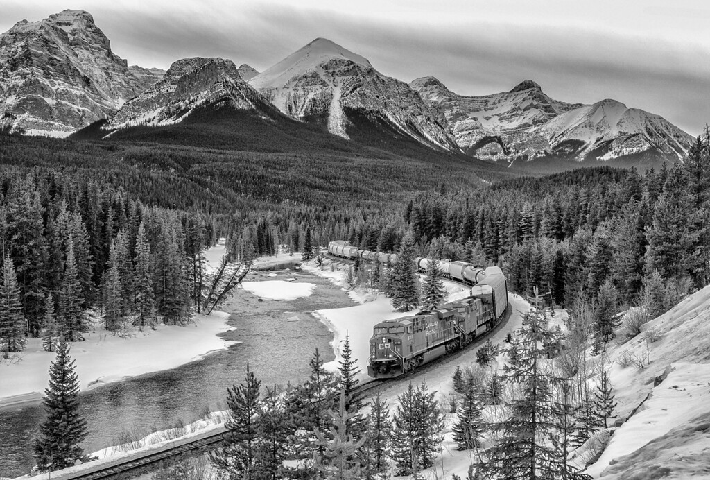 Morant's Curve, Bow Valley Parkway, Banff National Park, Alberta, Canada