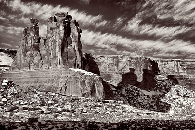bw21:  The Three Gossips, Arches National Park
