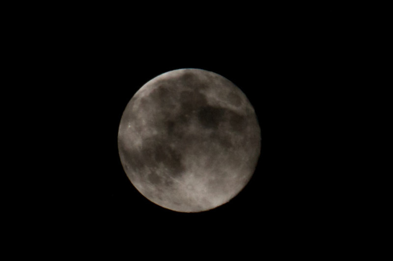 IMAGE: http://photos.deepaksingh.net/Landscapes/Blue-Moon-August-31-2012/i-mVFS9vn/0/L/Blue-Moon-behind-the-clouds-L.jpg