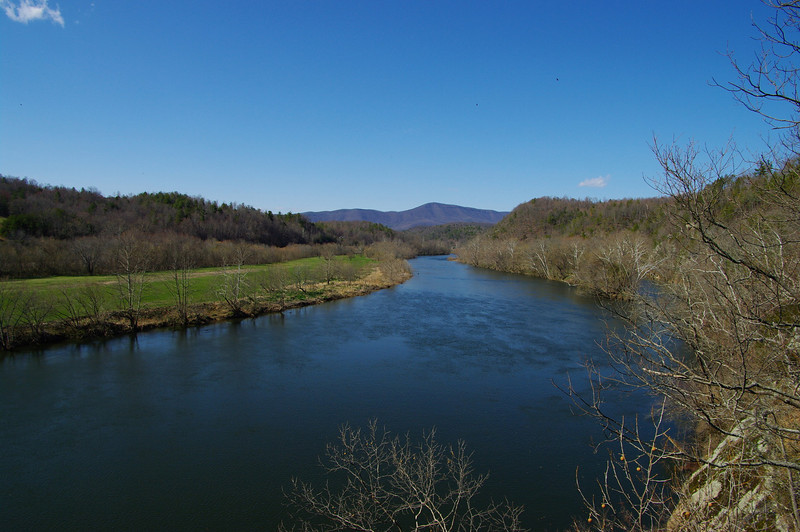 View from the Harry Flood Byrd Bridge over the James River