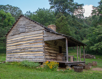 log cabin in humpback rocks region