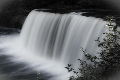 Tahquamanon Falls