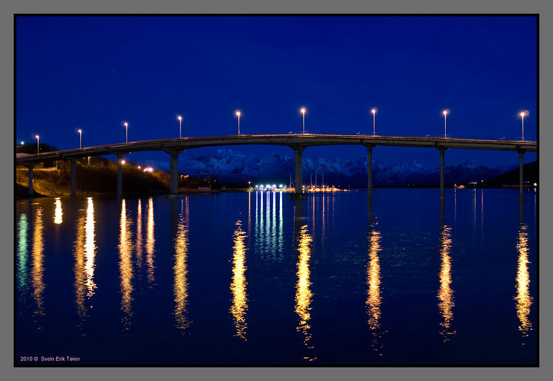 Fire in the water<br /> Bridge, Stokmarknes