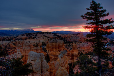 Fairyland Point sunrise - Bryce Canyon