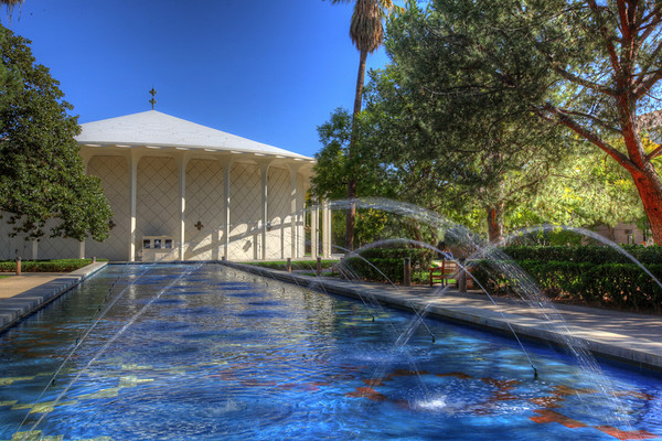 Fountain with Beckman Auditorium in the background at Cal Tech, Pasadena, California.