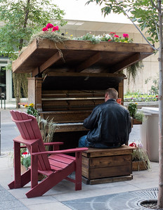 Woodlands Street Piano.