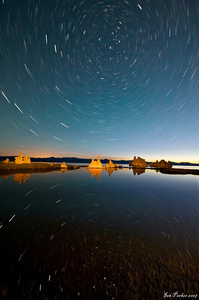 Star circles over Mono Lake