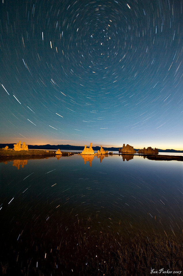 Star circles over Mono Lake