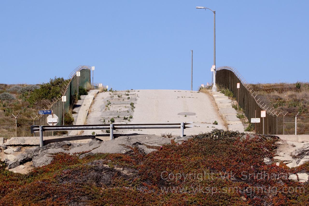 http://www.vksphoto.com/Landscapes/California/Dockweiler-Beach/i-cfXMv9R/0/X2/IMG1755-X2.jpg