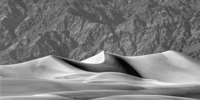 Death Valley Dunes I<br /> <br /> Sand dunes in front of the Alabama Hills<br /> Death Valley National Park, New Mexico, USA