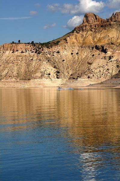 Blue  Mesa  ( Water Skiing )