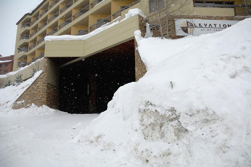 Elevation Hotel Motor Lobby entrance