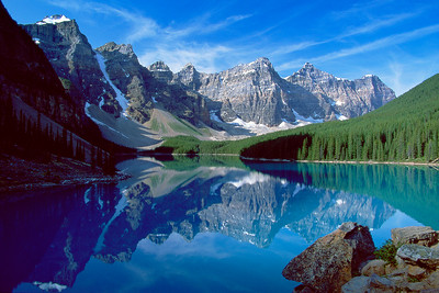(B051)  Moraine Lake - Banff National Park, Alberta