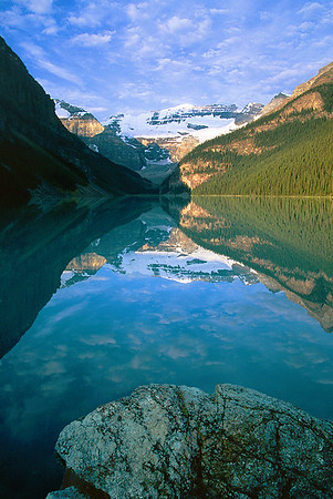 (B054)  Lake Louise - Banff National Park