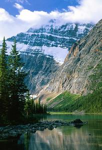 Mount Edith Cavell  (B068)