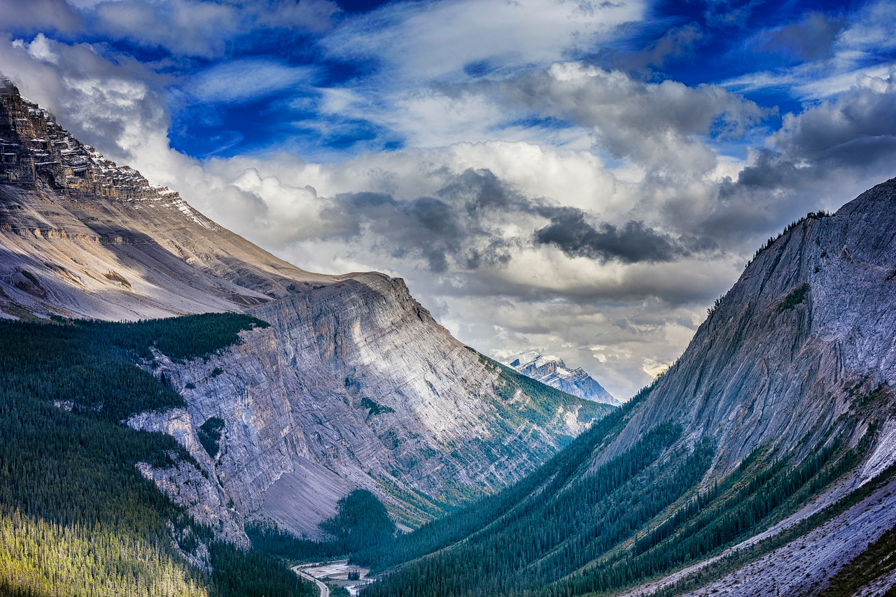 Threading the Needle on the Icefields Parkway