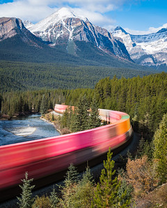 Freight Train sweeps through Morant's Curve