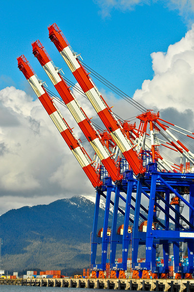 Shipping cranes for cargo containers