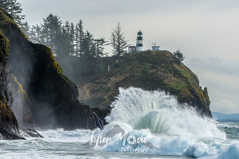 574  G Cape Disappointment Waves