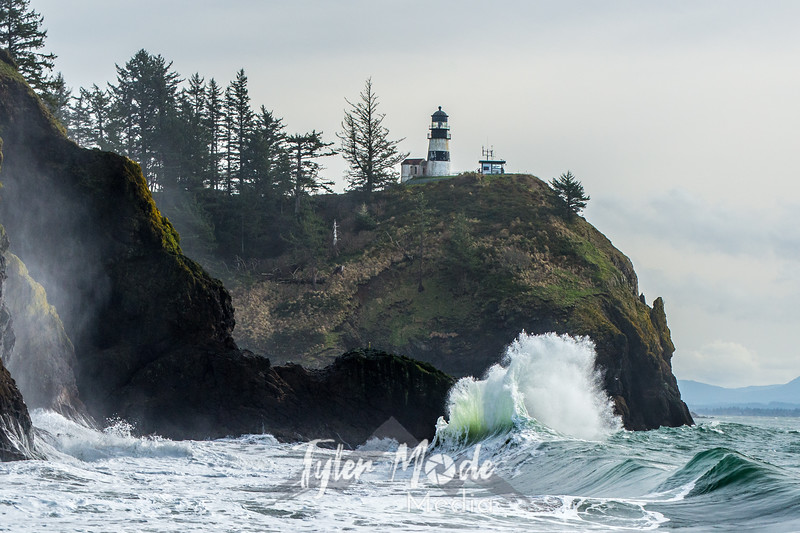 612  G Cape Disappointment Waves