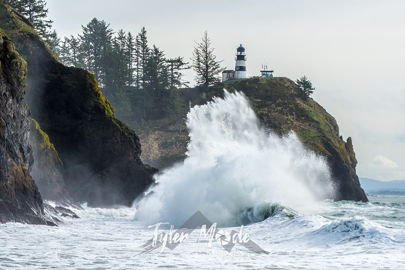 659  G Cape Disappointment Waves