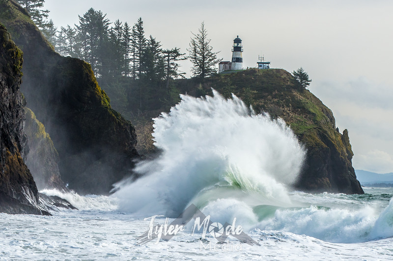 587  G Cape Disappointment Waves