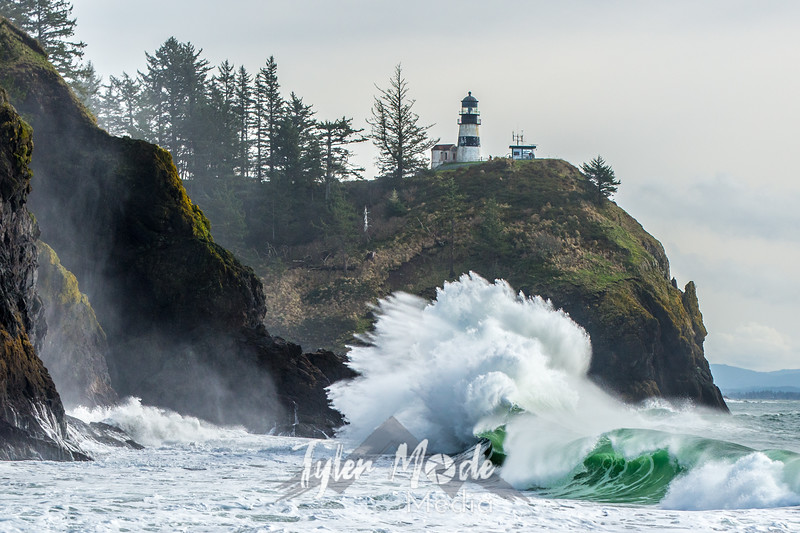 583  G Cape Disappointment Waves