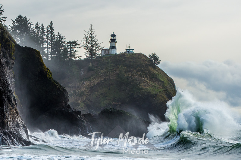 490  G Cape Disappointment Waves