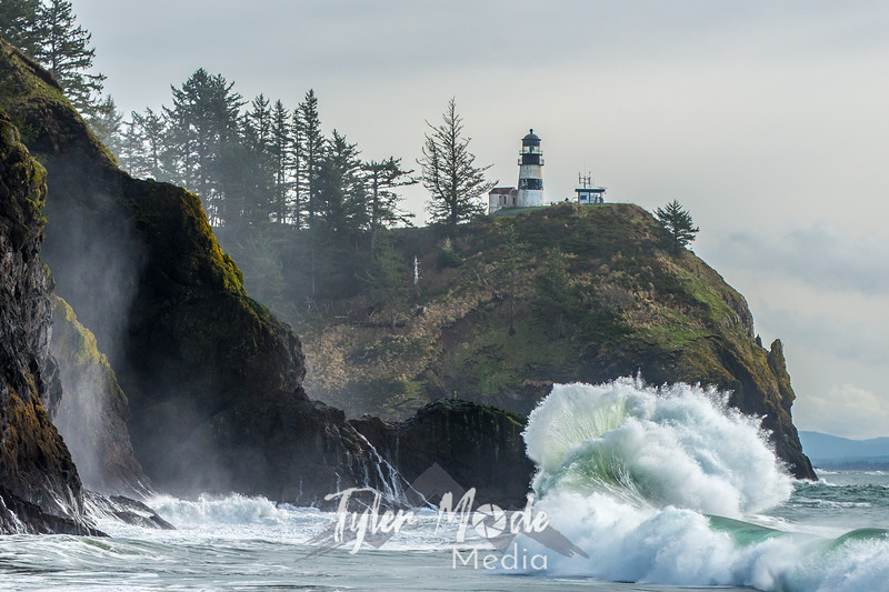 571  G Cape Disappointment Waves