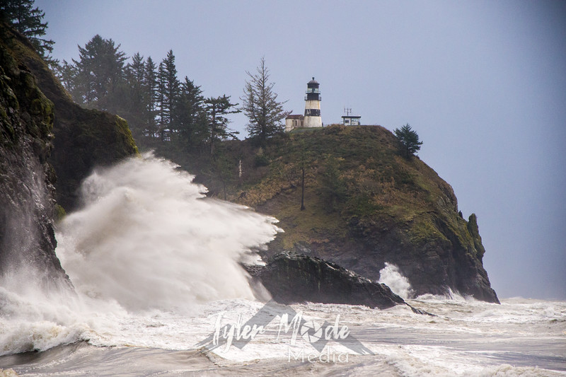 19  Cape Disappointment Waves