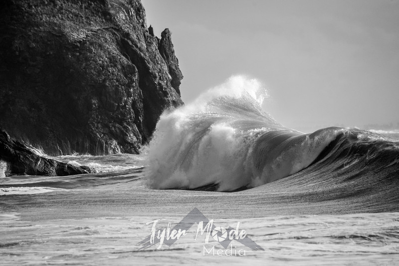 94  Cape Disappointment Waves Close BW