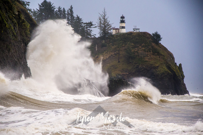 18  Cape Disappointment Waves
