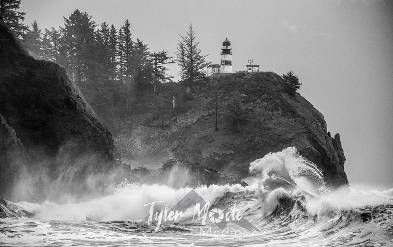 59  Cape Disappointment Waves BW