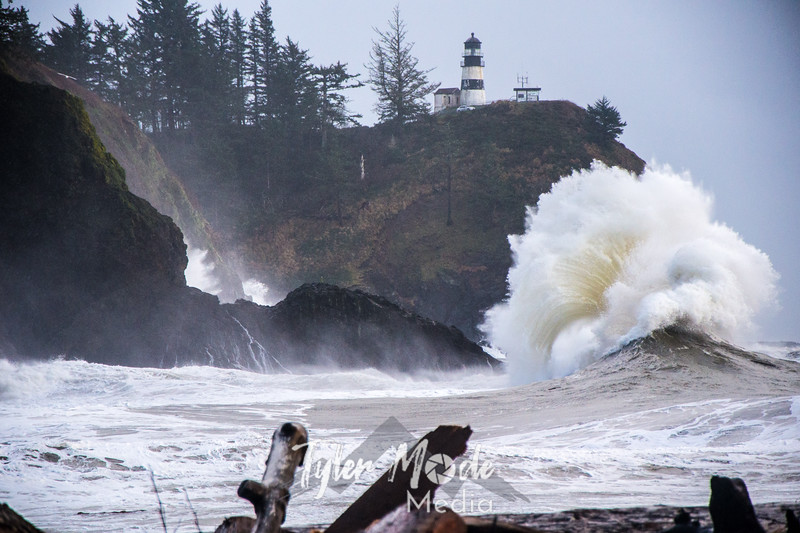 70  Cape Disappointment Waves