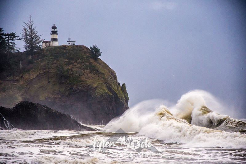 35  Cape Disappointment Waves