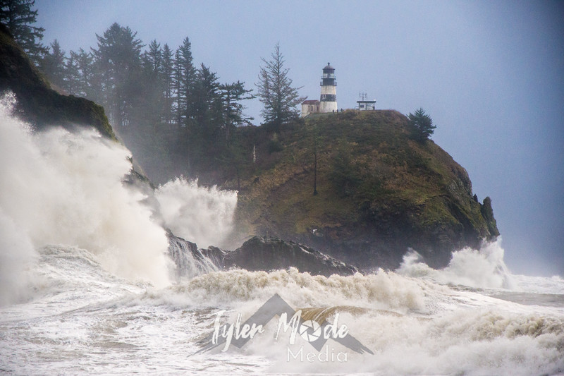 28  Cape Disappointment Waves